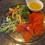 Fisch essen im Fischrestaurant