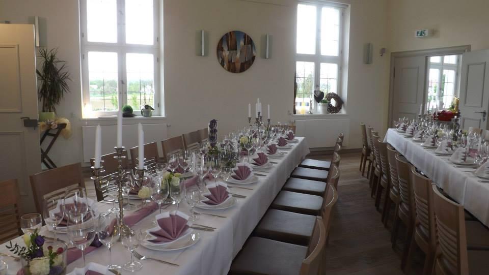 Tisch Stucksaal